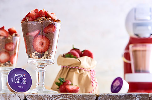 Strawberry Mocha Chia Pudding Jars Recipe | NESCAFÉ® Dolce Gusto®